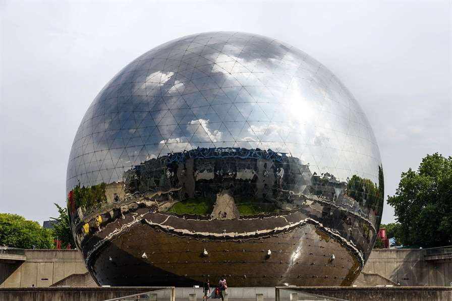 geodesic dome, la géode, mirror-finished